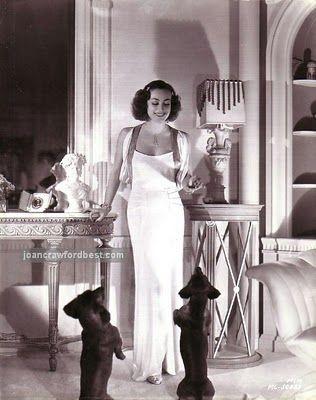 Joan Crawford & her beloved doxies, baby and boopshen!     ♥♥♥♥♥♥ dauchshund dauchshunds weenier weeniers weenie weenies hot dog hotdogs doxie doxies ♥♥♥♥♥♥