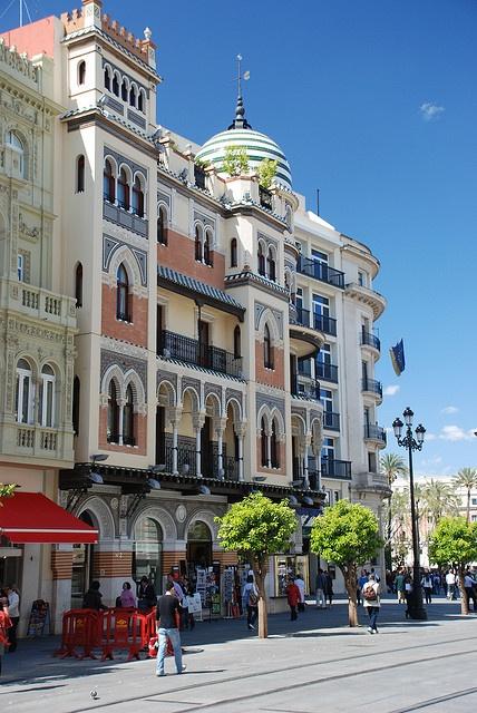 Sevilla, Andalucía, España.  http://www.costatropicalevents.com/en/cultural/city.html