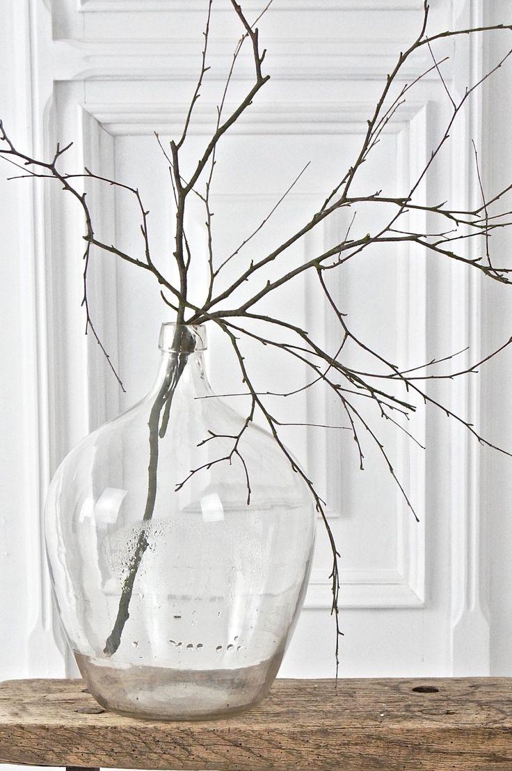 Alter Holzschemel, antiker Weinballon / old stool and glassbottle boheme-living….