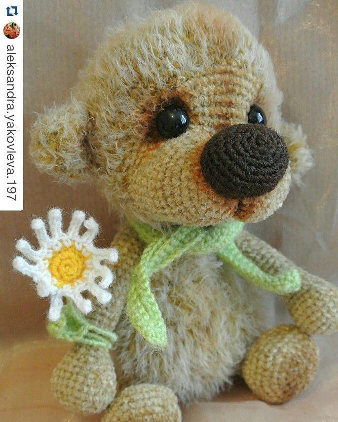handmade_repost:: #Repost Вот такая милаха от @aleksandra.yakovleva.197  #косметичка #сумка #подарок#ручнаяработа #вязанаясумка #амигуруми #вяжуназаказ#happy #handmade #amigurumi #girl #beautiful #very #summer #Ukraine #kharkov #bag #cosmetics #beautician #iknittoorder#teddy #медведь #пряжа #мех #мед