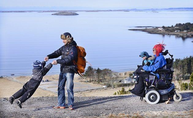 Eit aktivt liv for hjulbeinte - tur på Randabergfjellet
