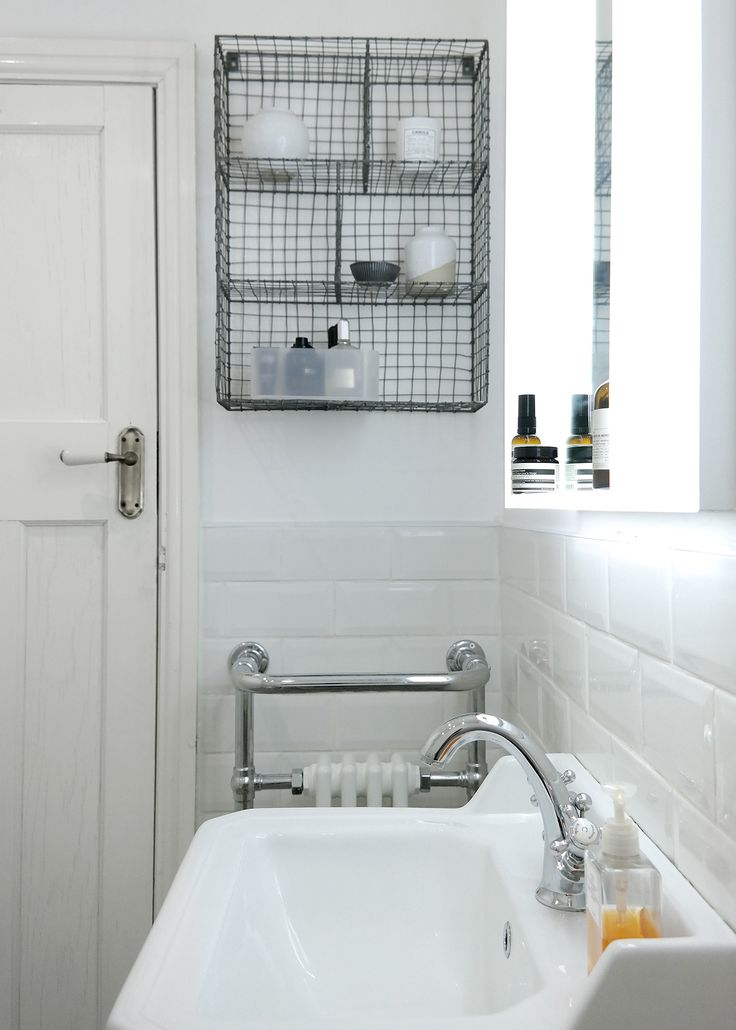 Cheap Illuminated Bathroom Mirrors: 77 Best White Bathrooms Images On Pinterest
