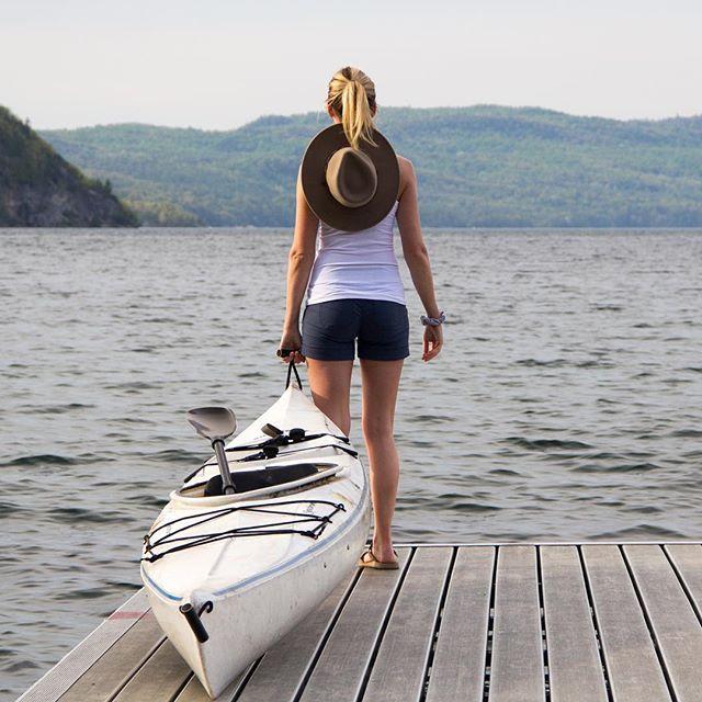 Just a girl and her boat. #regram @dirtbagdarling https://uk.pinterest.com/uksportoutdoors/kayakiing/pins/
