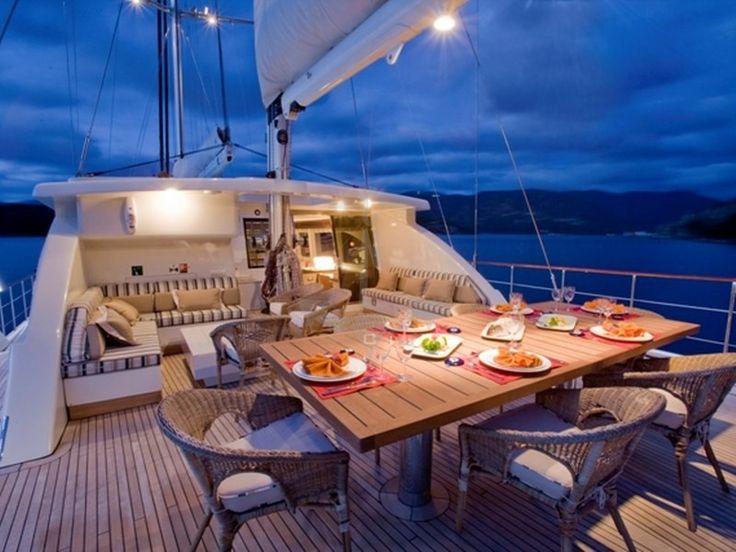 SAILING NOUR | CNL Yacht