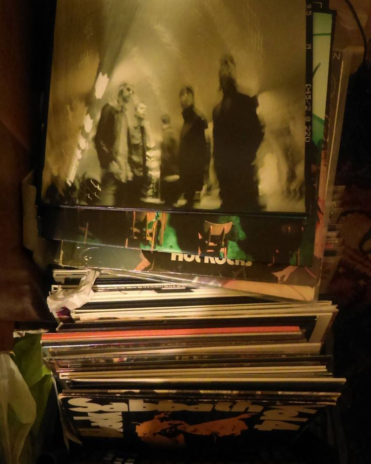Oasis heathen chemistry  #vinyl #records #record #vinyligclub #instavinyl #turntable #vintage #vinyladdict #vinyljunkie #nowplaying #vinylcollection #lp #rock #soul #jazz #punk #classic #45rpm #metal #80s #45 #onmyturntable