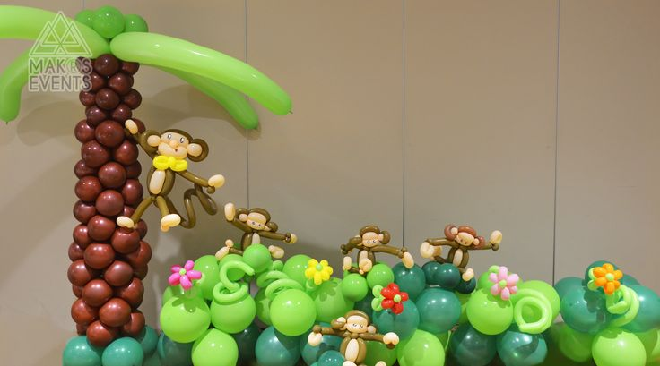 Monkey and jungle themed balloon decoration!  DIY Balloon decoration, simple.  http://www.makorsevents.com/