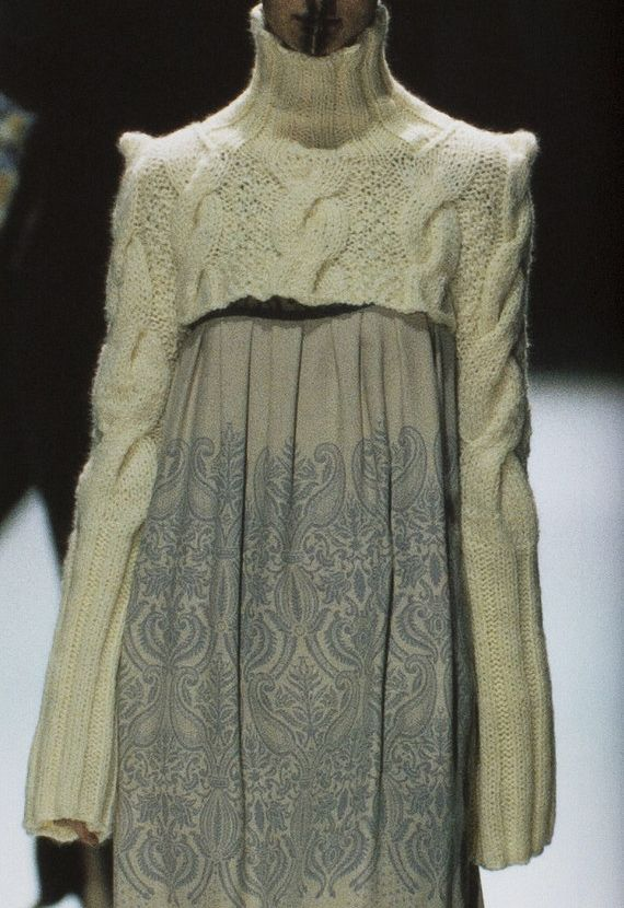 "Suéter corto de ""ochos"" en punto de aguja  -  Knit short sweater ""cable"""