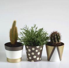 Peindre des pots de fleurs pour les relooker - How to paint flowerpots #DIY…