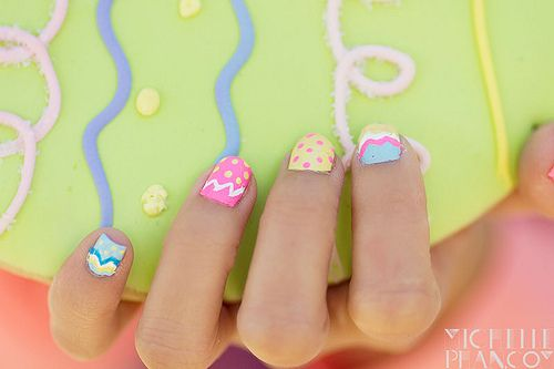 who needs eggs to color when you have so many fingernails and toes to paint!  Easter nail art.
