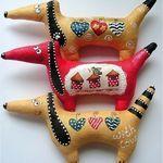 Купить или заказать Ароматные Собачки Новогодние. Магниты/ игрушки на ёлку в интернет магазине на Ярмарке Мастеров. С доставкой по России и СНГ. Срок изготовления: 3 дня. Материалы: хлопок, акриловые краски, ароматы. Размер: 7*15 см