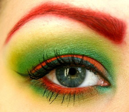 Poison Ivy Makeup- @Laura Paine- could be good modifiable Pheonix- love the eyebrows!