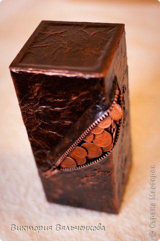 Декор предметов Аппликация Аппликация из скрученных жгутиков Ассамбляж Копилка Бумага Картон Металл фото 3