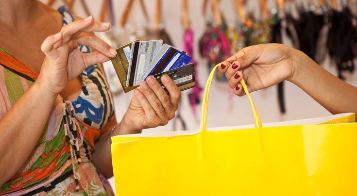 Mniej rzeczy to więcej wspomnień. Jak być minimalistą?    www.polskieradio.pl YOU TUBE www.youtube.com/user/polskieradiopl FACEBOOK www.facebook.com/polskieradiopl?ref=hl INSTAGRAM www.instagram.com/polskieradio