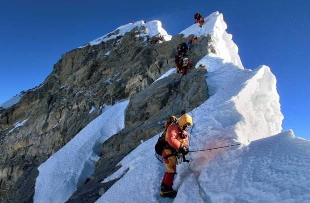 60 Tahun Penaklukkan Atap Dunia Gunung Everest