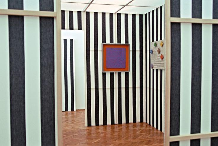 Muzeum Sztuki wŁodzi zyskało kolejny obiekt odnoszący się do idei jego najsławniejszej przestrzeni, czyli sali neoplastycznej, zaprojektowanej przez Władysława Strzemińskiego