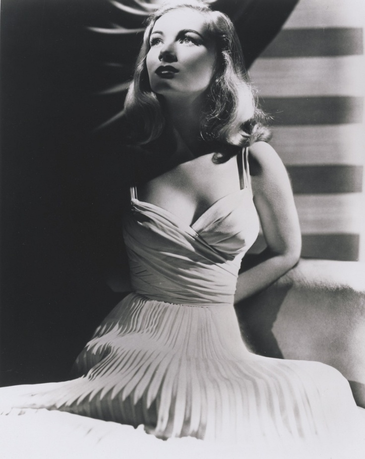 the gorgeous veronica lake...