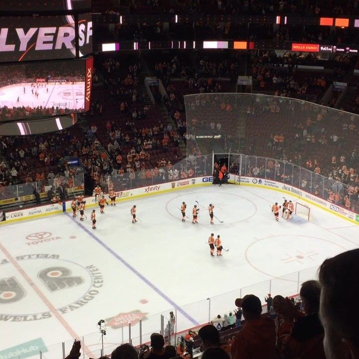 Flyers Win!!! They crush the Panthers 51!! Michael Neuvirth had a great game in net tonight. Giroux continues his hot streak earning his 400th career assist. Robert Hagg recorded his first nhl point! Simmonds was taken out of the game in the 3rd for precautionary reasons after blocking a shot with his hand. As of now its day to day with a lower body injury and hell be evaluated tomorrow. Your goal scorers are Couturier Gostisbehere Giroux Weise and Filppula. #philadelphiaflyers #nhl…