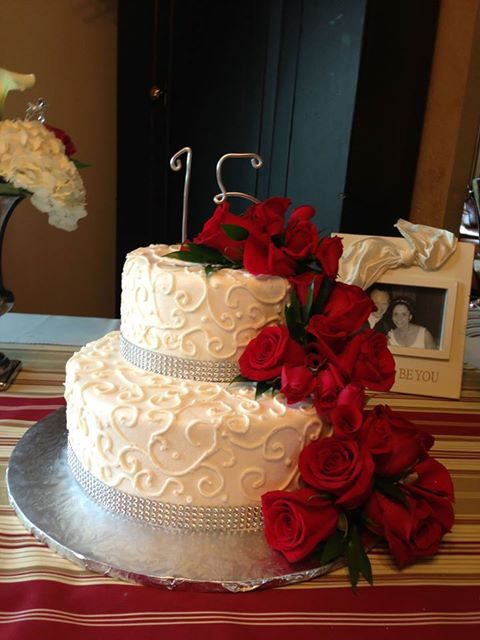 15th Anniversary Cake With Fresh Roses Iced In Decorated