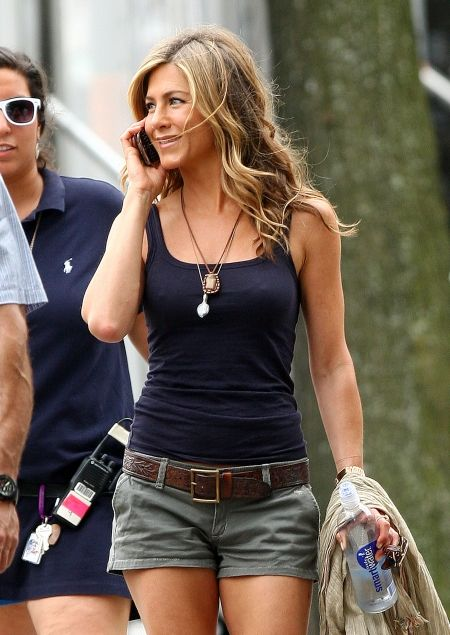 hot body. simple style: Girls Crushes, Casual Style, Jennifer Aniston, Casual Summer, Summer Outfits, Simple Style, Casual Looks, Casual Outfits, Jenniferaniston