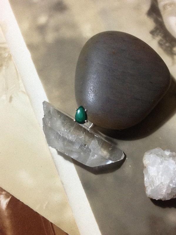 Teardrop philtrum jewelry