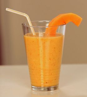 Tropical smoothie that helps flatten the belly.