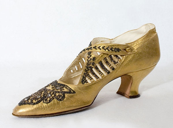 Beaded gold evening shoes, c.1923, from the Vintage Textile archives. @designerwallace
