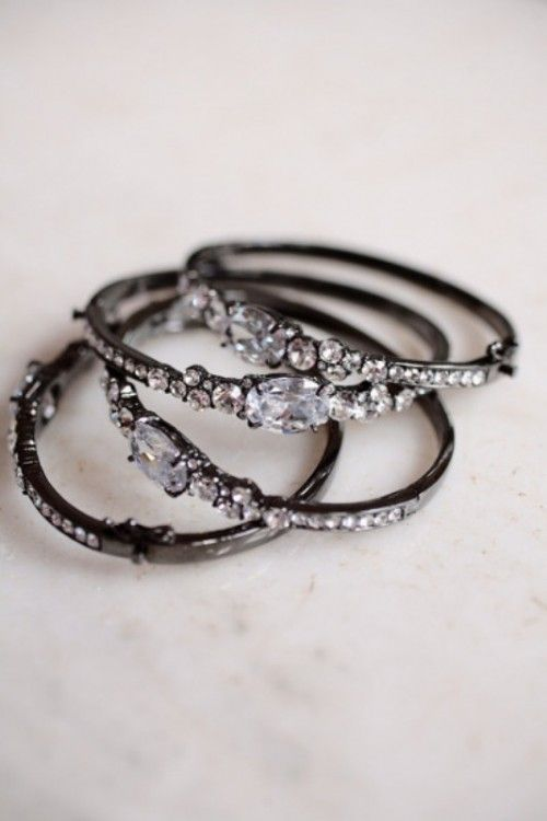 These tiny crystal rings remind me of lace. The contrasting colors are perfect for everyday wear. ♥ VintageResearch