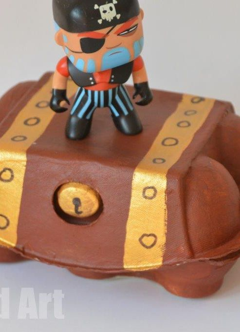 Egg Carton craft - treasure box for kids