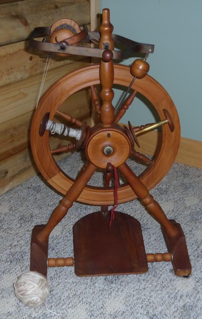 50 best images about spinning wheels op pinterest connecticut kersen en spinning. Black Bedroom Furniture Sets. Home Design Ideas
