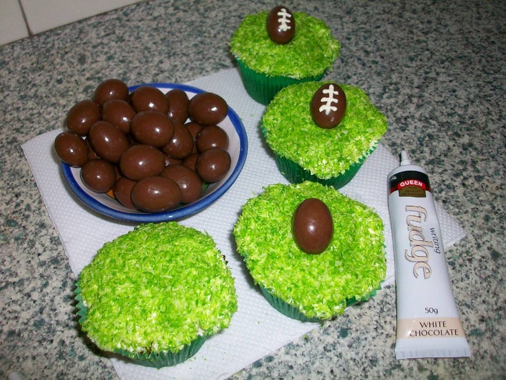 365 DAYS OF PINTEREST CREATIONS: day ninety two: cupcakes for the start of the rugby world cup :)