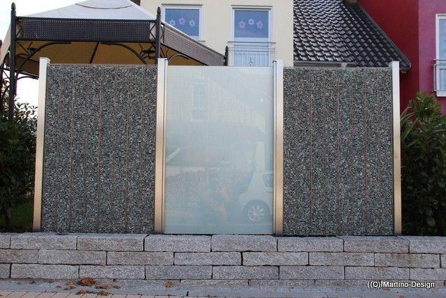Impressionen von exklusiven Sichtschutzelementen in Kombination von Edelstahl, Glas und Stein.