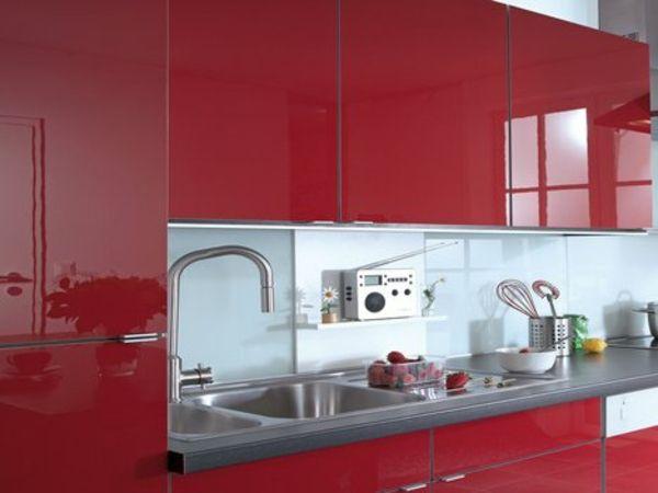 Marvelous k chenfronten erneuern mit polymere klebefolie kitchen cabinets kitchen fronts paste renew with foil shiny red kitchen fronts