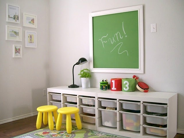 great tutorial on making this adorable chalkboard