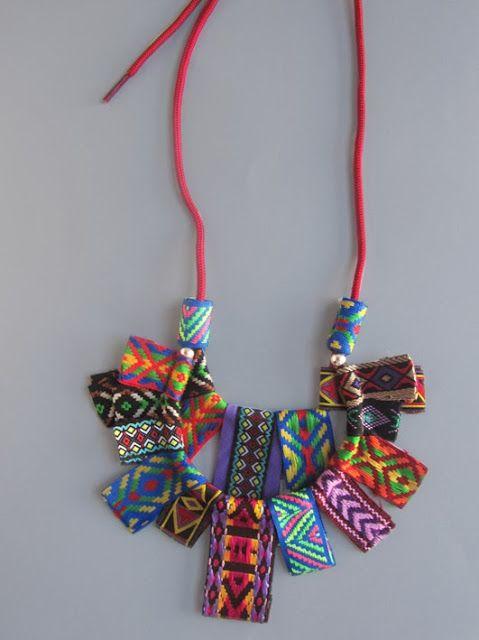 elcuadernodeideas: Collar con cintas