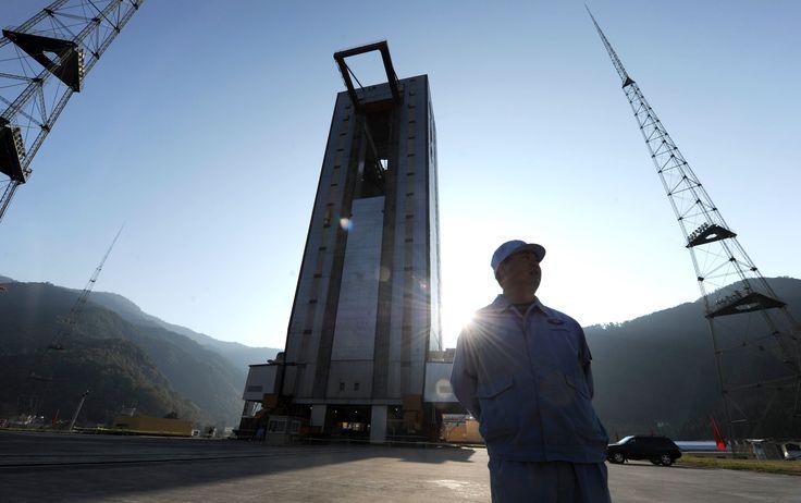 """Le géant asiatique a lancé, ce lundi 2 décembre 2014, une fusée embarquant vers la Lune un véhicule d'exploration téléguidé, le """"Lapin de jade""""."""