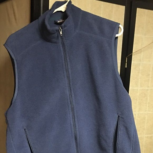 Patagonia vest Excellent condition. Size large (tag cut out) not from a smoke free home Patagonia Jackets & Coats Vests
