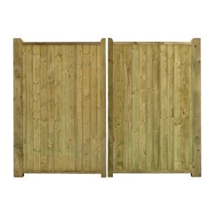 Grange Planed Timber Driveway Gate (H)1800mm Grange Planed Timber Driveway Gate (H)1800mm (W)2700mm.This driveway gate is made of planed timber and will look great in any outdoor space. Its pressure treated treatment has been applied to protect  http://www.MightGet.com/april-2017-1/grange-planed-timber-driveway-gate-h-1800mm.asp