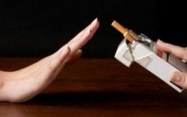 """Siamo scemi, a nostra """"saputa"""" In Canada, la Corte Suprema di giustizia, ha dichiarato punibili le majors canadesi del tabacco, in quanto non hanno informato i fumatori di quello che sapevano. In sostanza, i fumatori sono a conosc #rivoluzione #saputa"""