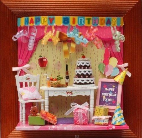 """Miniaturen Set """"Happy Birthday"""" Originelles 3D Wandbild als DEKO-Kreativset (Bastelset) mit Torte, Luftballons, Tisch, Geschenke, Girlanden uvm. von Hongda, http://www.amazon.de/gp/product/B0092F6ILO/ref=cm_sw_r_pi_alp_Oox3qb183HPNS"""