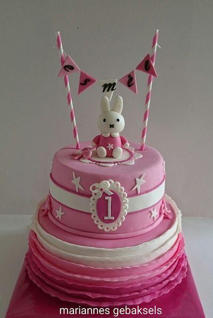 #nijntje #liefkleinkonijntje #roze #taart #cake | by mariannes gebaksels