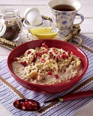 Das Rezept für Porridge mit Granatapfel und Leinsamen und weitere kostenlose Rezepte auf LECKER.de