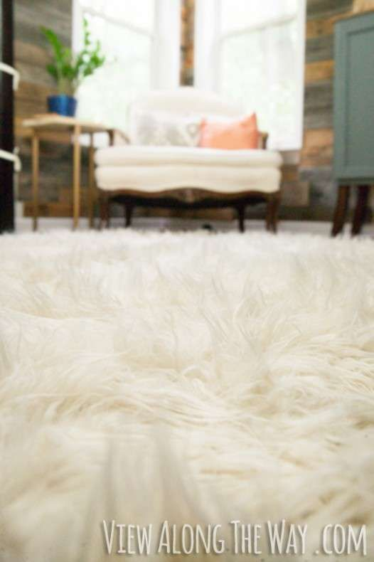 How To Make A DIY Faux Fur Rug (!) | * View Along The