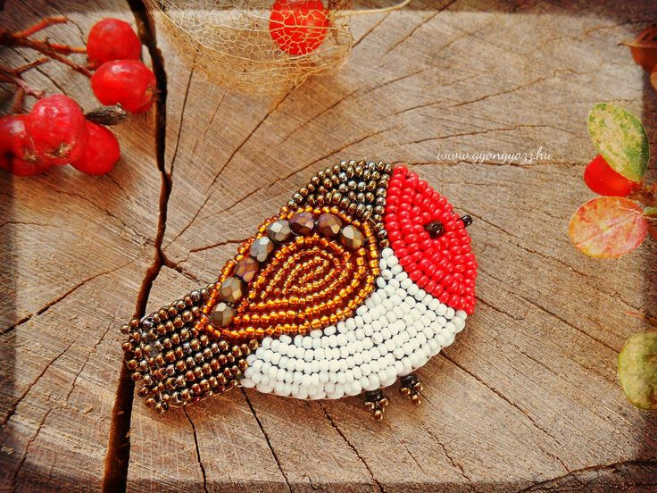 Cute bead embroidery little Bird Robin brooch. designed and made in Zebegeny, Hungary by Lili Vagasi.