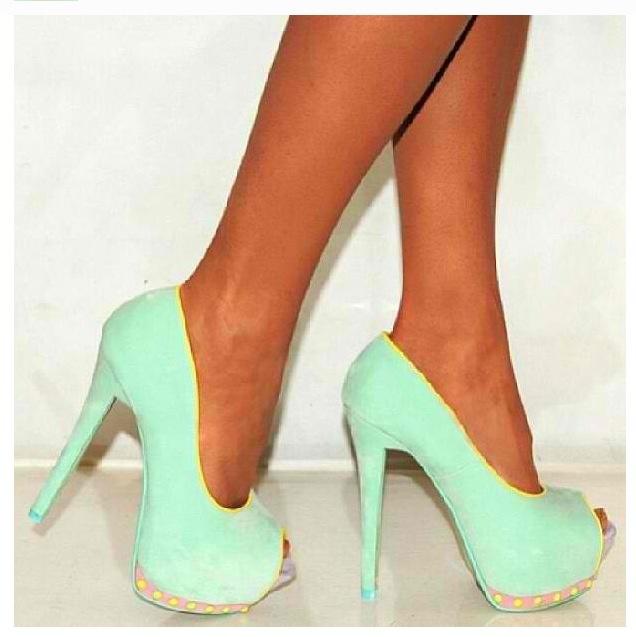 Aqua swayed heels