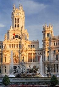 Площадь Plaza de Cibeles в Мадриде
