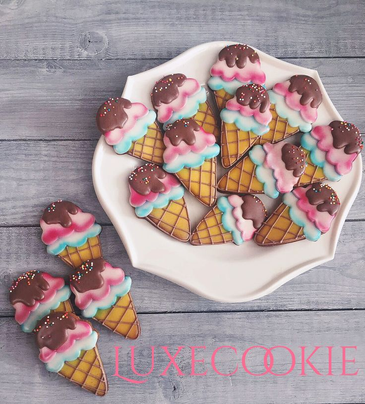 Ice cream cookie decor