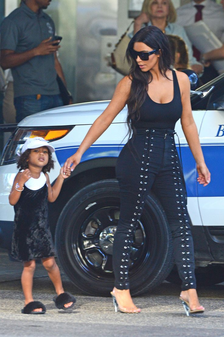 Keeping Up With Kimye — Kim & North arriving at Carpaccio restaurant in...