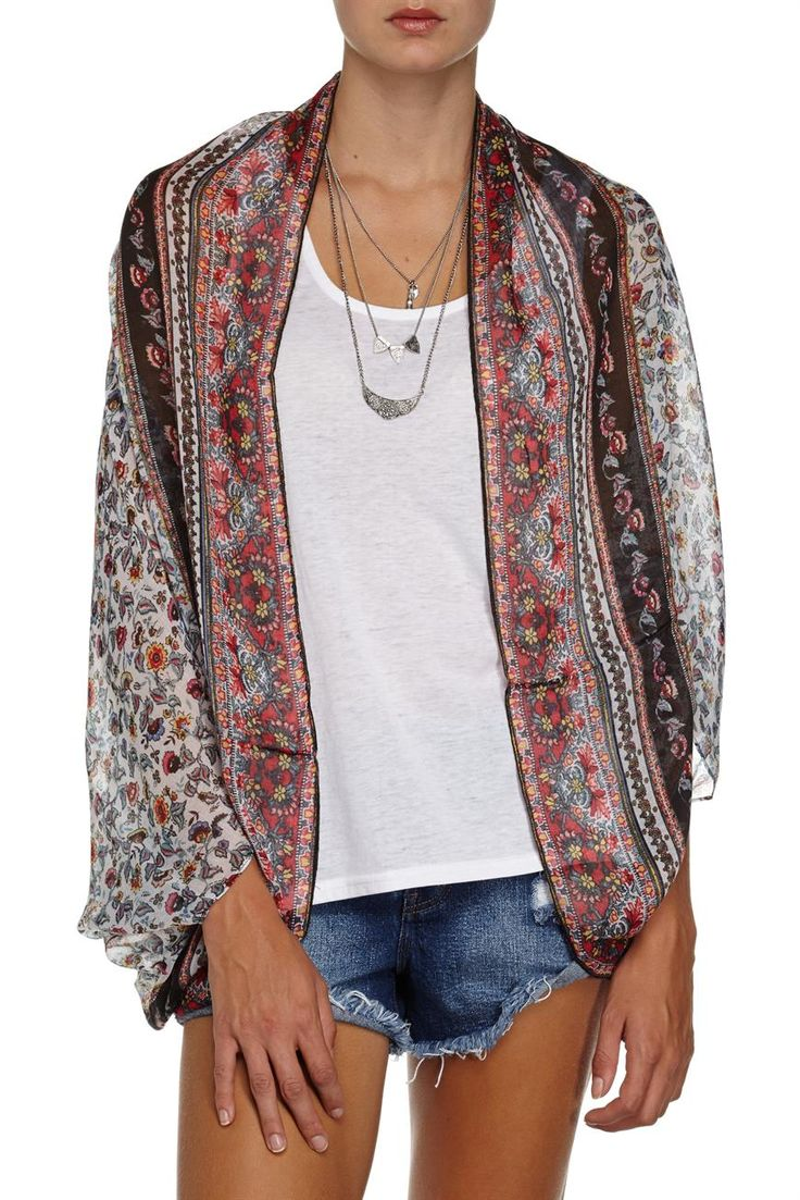 trixy cocoon kimono 2 The Trixy Cocoon Kimono 2 is a lightweight loose fit kimono. Moden wears Women's: S. Composition 100% Polyester $19.96