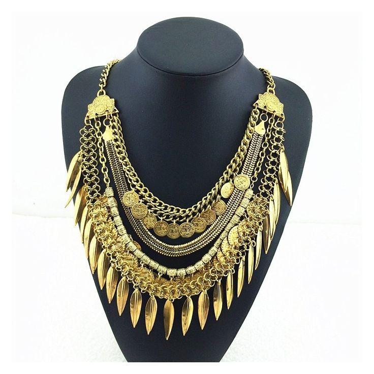 Collier ethnique doré vintage, métal doré. Collier multichaînes avec ornements ethniques. Chaîne ajustable avec fermoir mousqueton