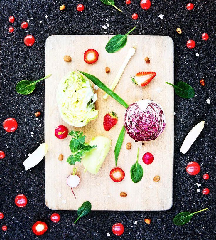 Bezpecna neskora #vecera #dinner  ale aj nebezpecne chutne #paleo #ranajky #breakfast  dobru chutku  recept v aktualnom #casopiszdravie #dobruchut #eathealthy #healthyeating #fresh #vegan #strawberry #salad #fitfood #nice by casopis_zdravie
